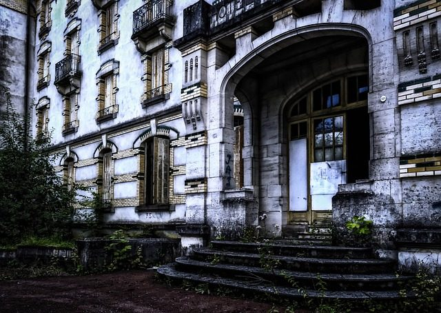 TOP 3 HAUNTED HOTELS IN AMERICA